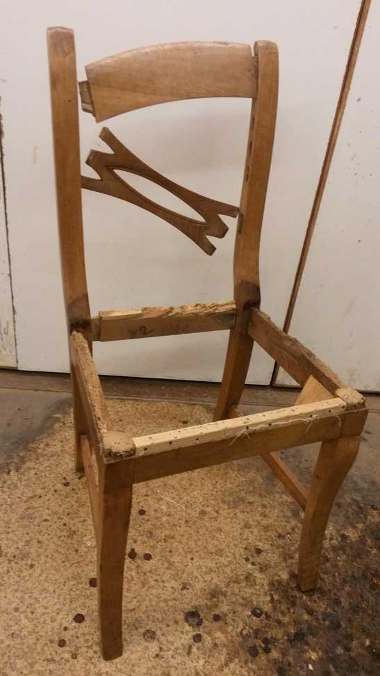 Alter Stuhl restaurieren lassen