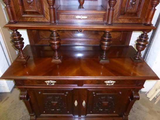 Antikes Möbelstück aus der Gründerzeit 1880
