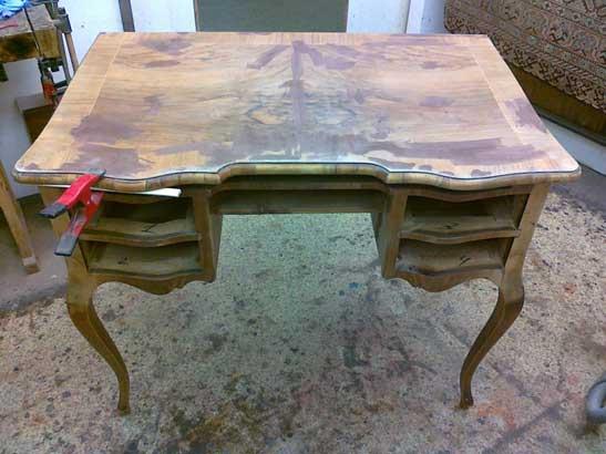 Alter Schreibtisch noch nicht restauriert