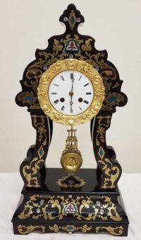 Reich intarsierte Boulle Uhr
